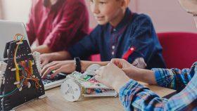 Juguetes STEM: ¿Qué son y qué pueden aportar en la educación de los niños?