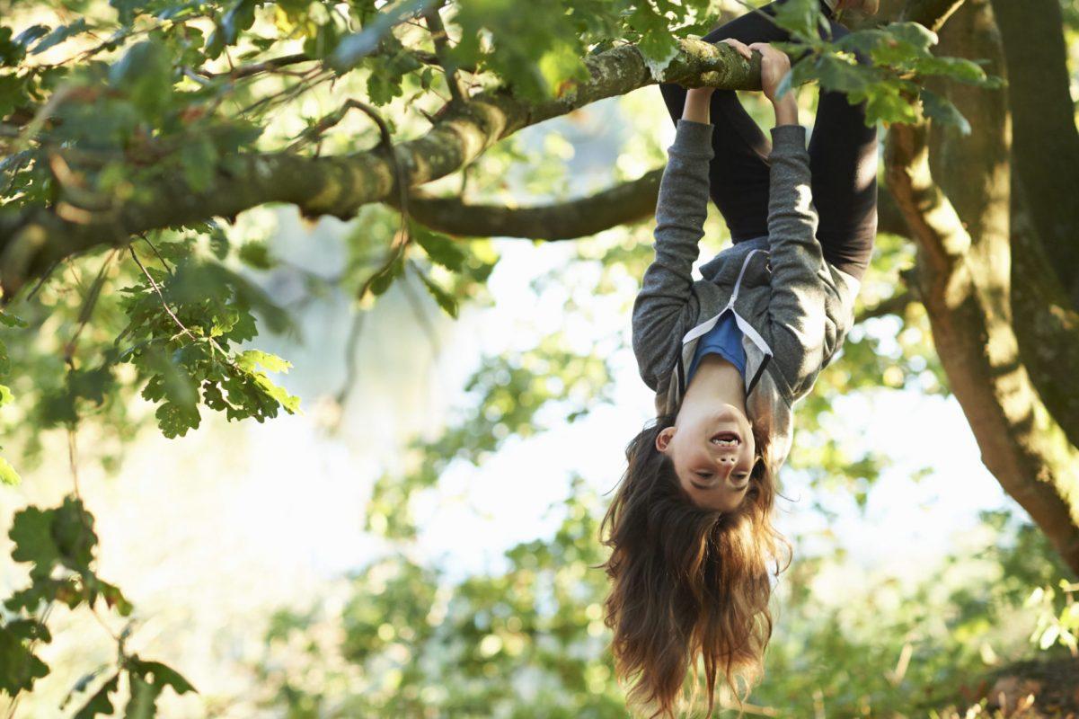 jugar al aire libre
